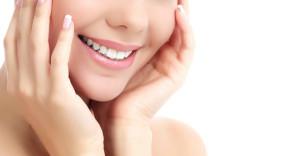 Get Whiter Teeth thru Teeth Whitening